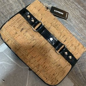 Express mini wristlet clutch